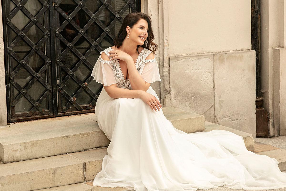 Podkreśl swoje kobiece piękno z kolekcją sukien ślubnych plus size - Lovely!