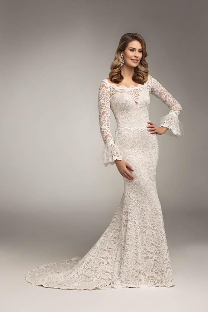 zimowy ślub dopasowana suknia