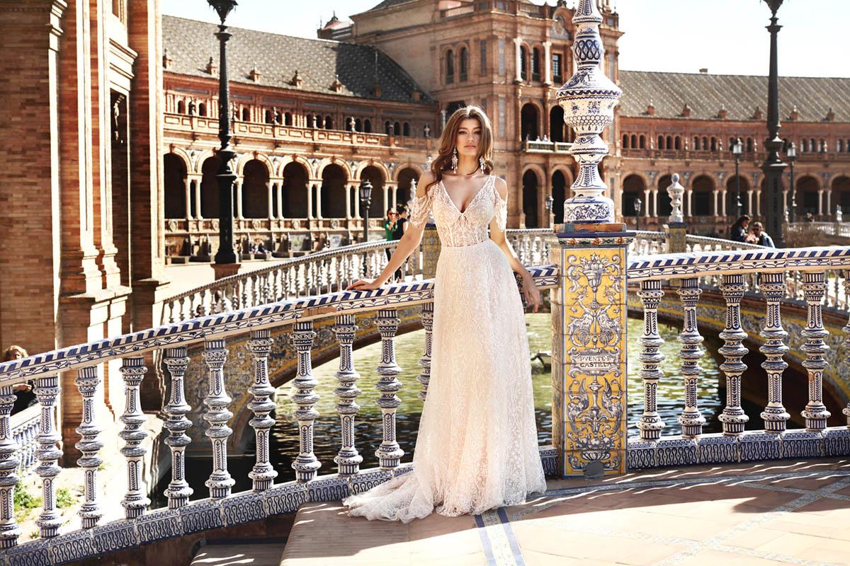 Szyk i klasyczne cięcia to charakterystyczne cechy kolekcji The One na sezon ślubny 2021