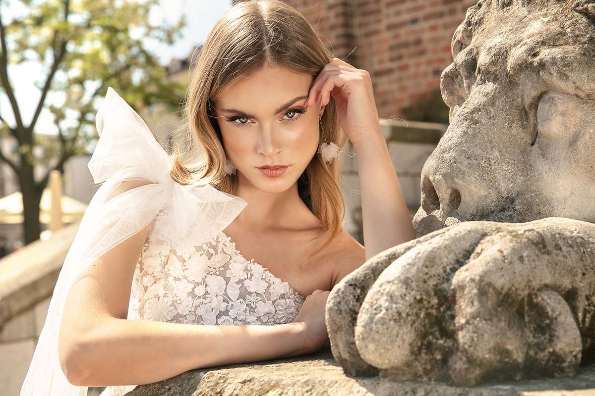 Elegancja i wyjątkowość ukryte w pięknych sukniach z kolekcji The One 2022!