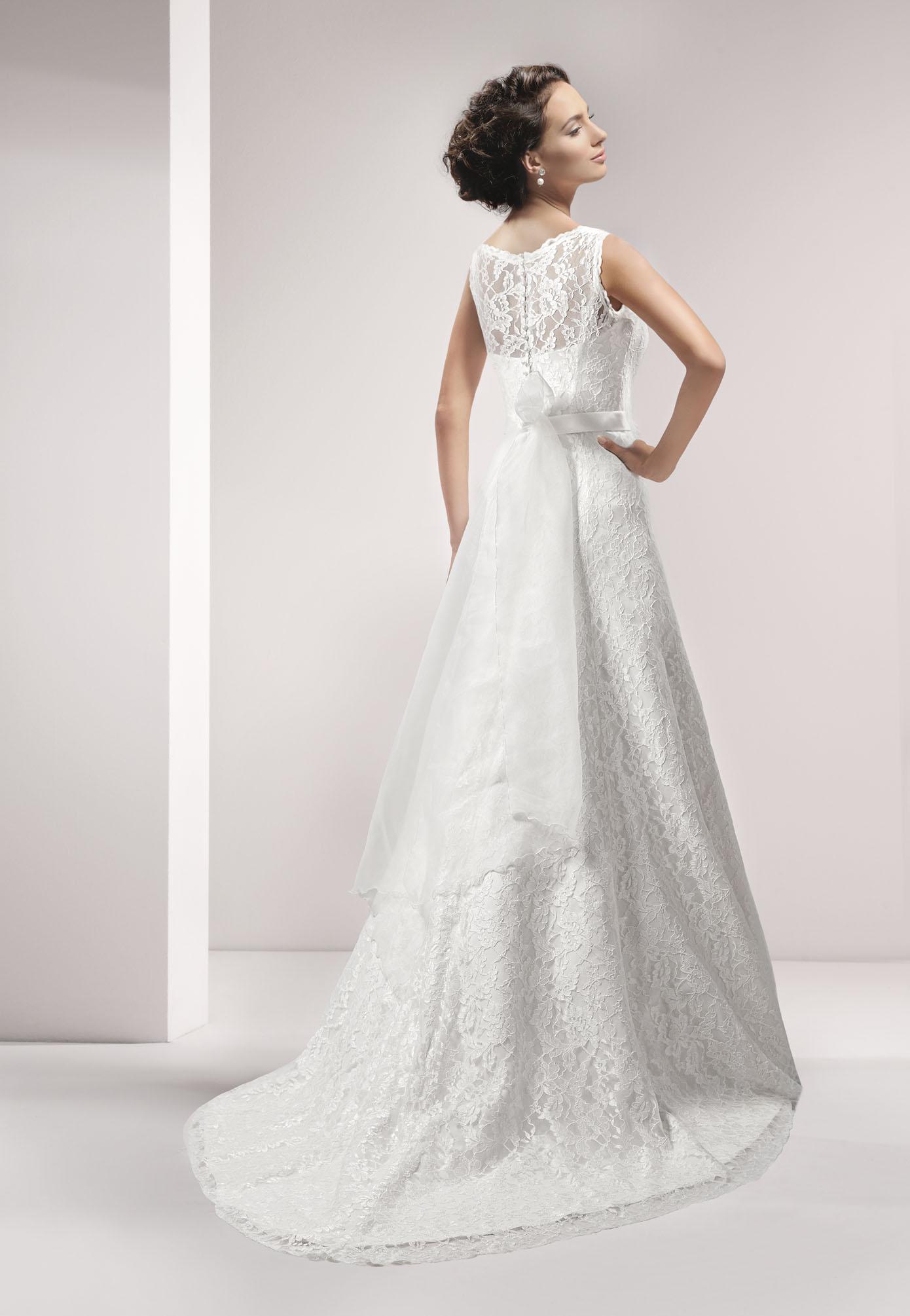 Wedding dresses plus size lace pictures