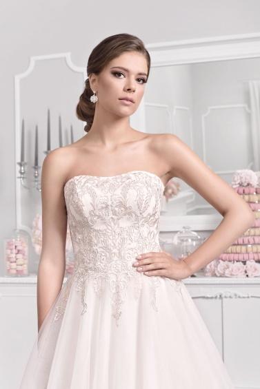 suknia ślubna 18012T zbliżenie
