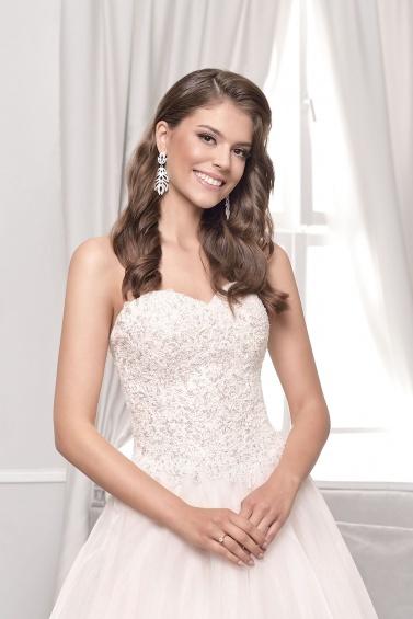 suknia ślubna 18035T zbliżenie