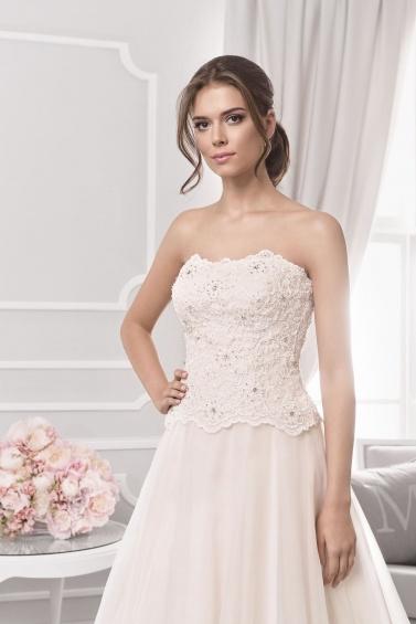 suknia ślubna 18050T zbliżenie