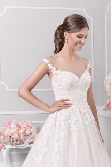 suknia ślubna 18071T zbliżenie