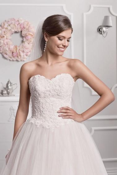 suknia ślubna 18084 zbliżenie