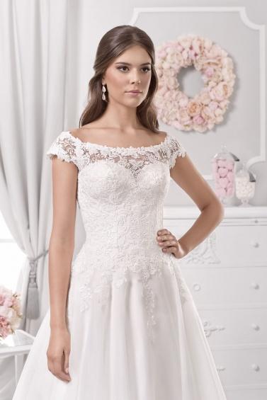 suknia ślubna 18111T zbliżenie