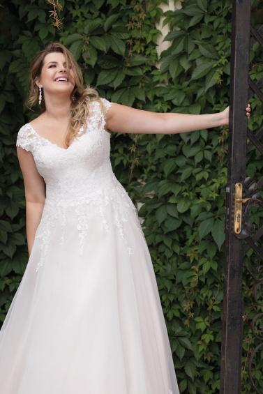 suknia Lovely 2020