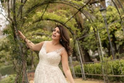 suknia ślubna LO-215T zbliżenie