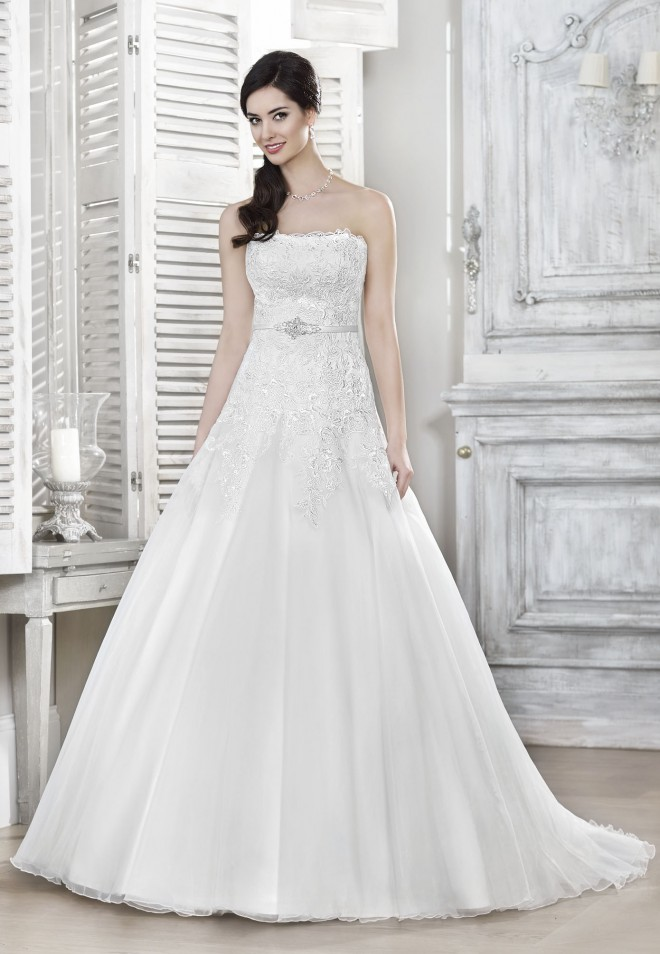 Suknia ślubna 16023T