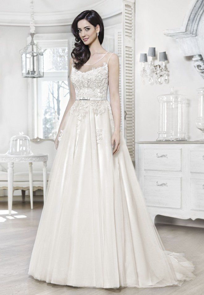 Suknia ślubna 16045T