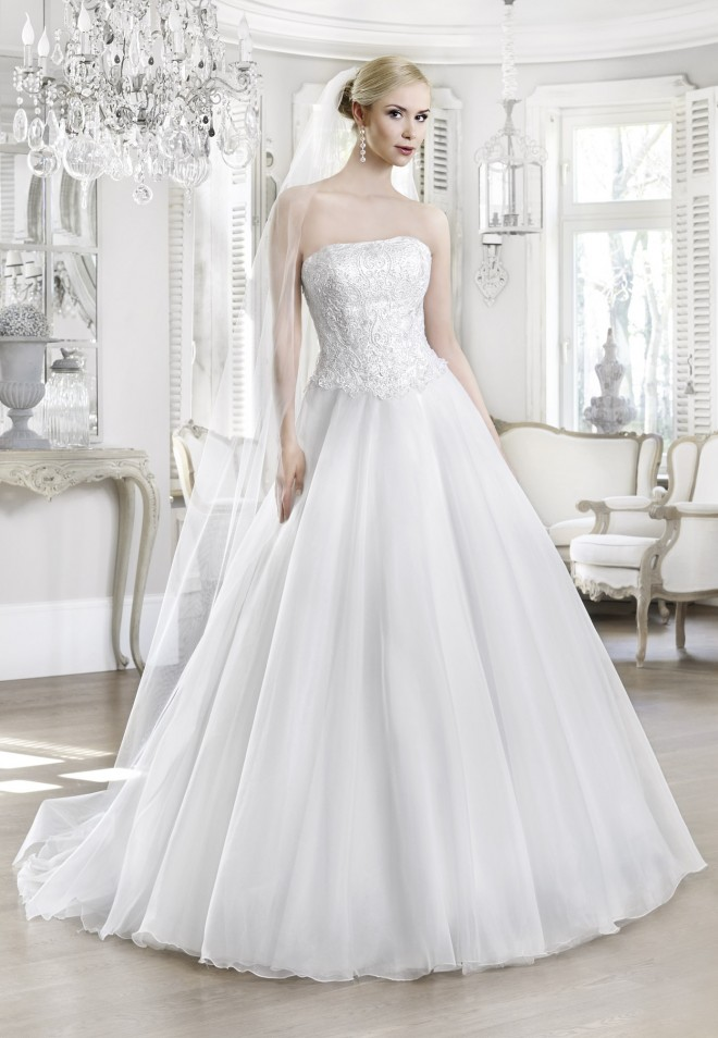 Suknia ślubna 16102T