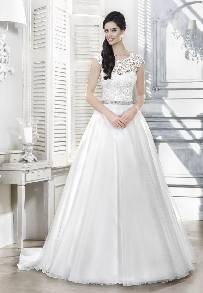 Suknia ślubna 16109T