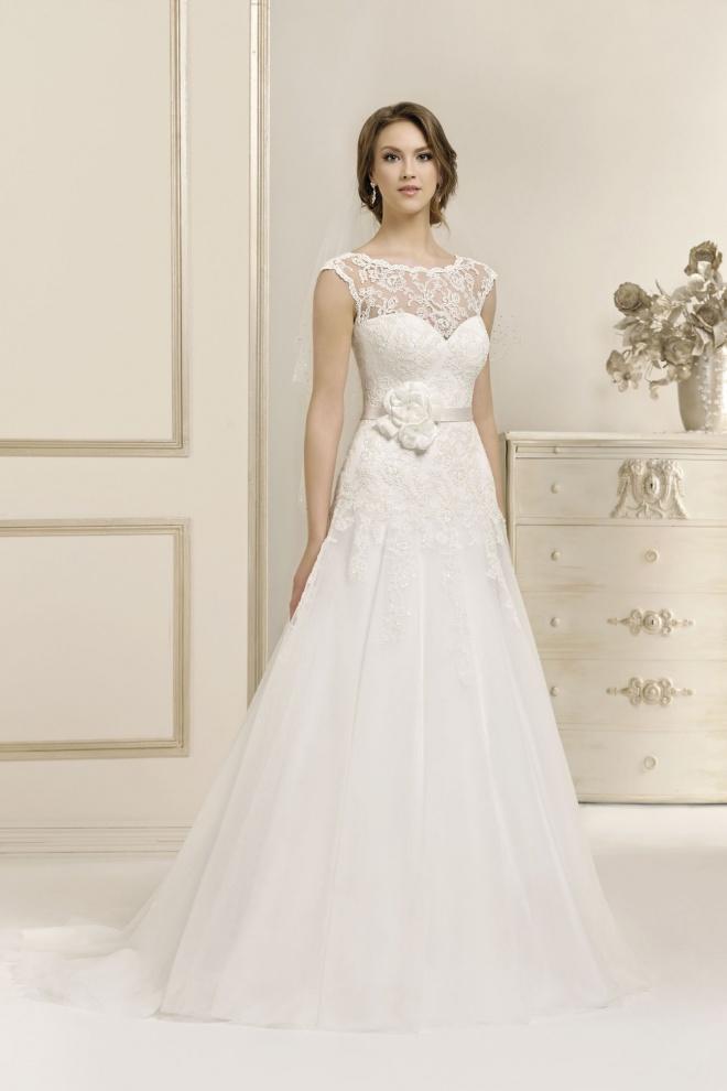 Suknia ślubna 17028T