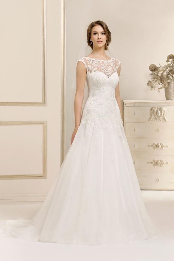 Suknia ślubna 17028TR