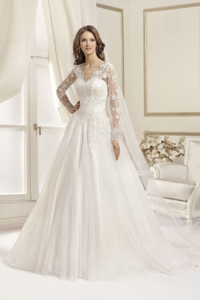 Suknia ślubna 17041T