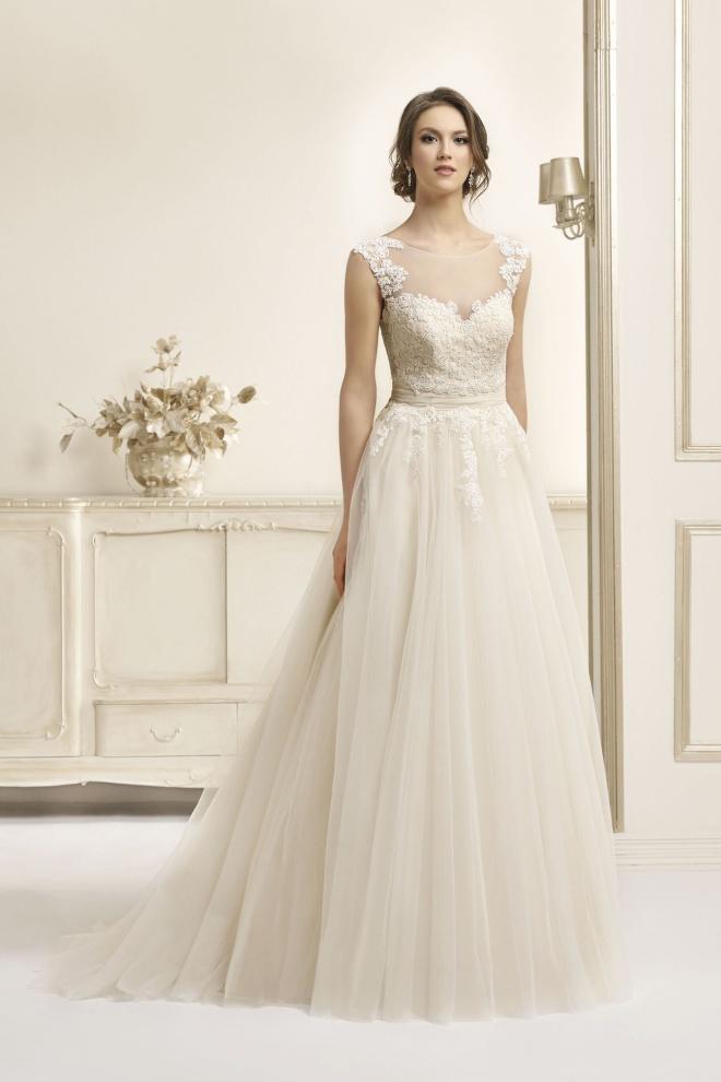 Suknia ślubna 17048T