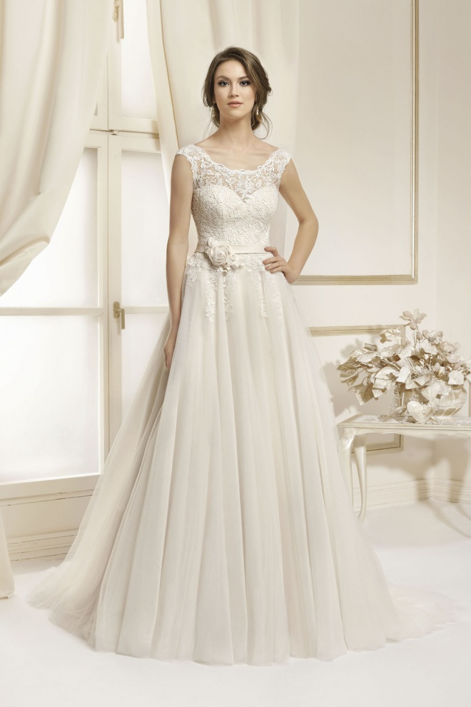 Suknia ślubna 17052T