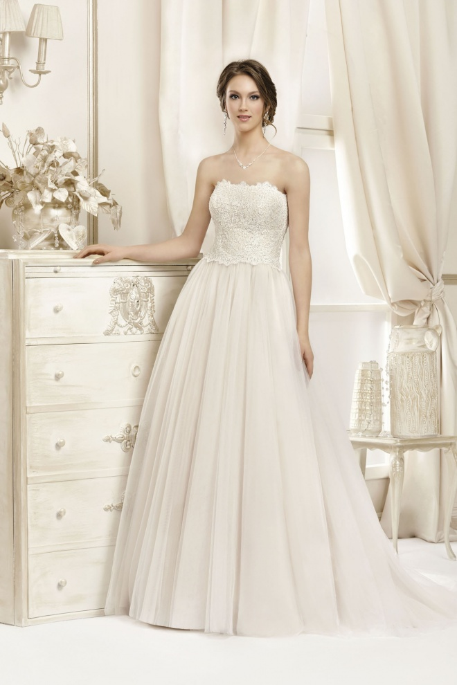 Suknia ślubna 17055T