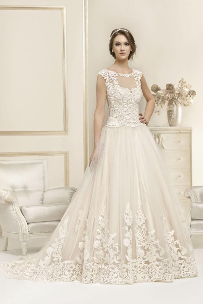 Suknia ślubna 17058T