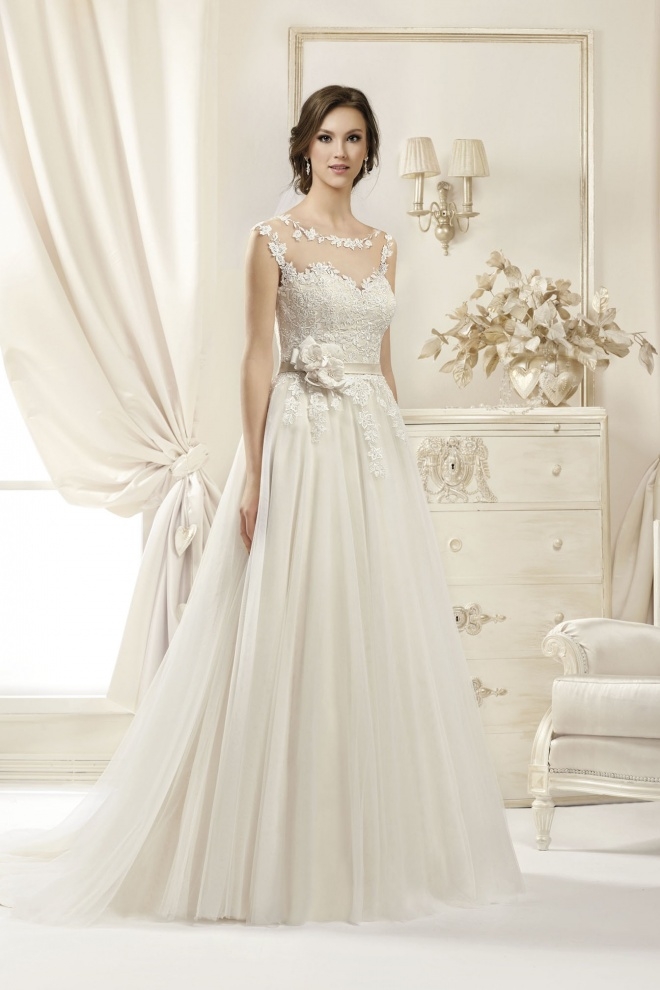 Suknia ślubna 17059T