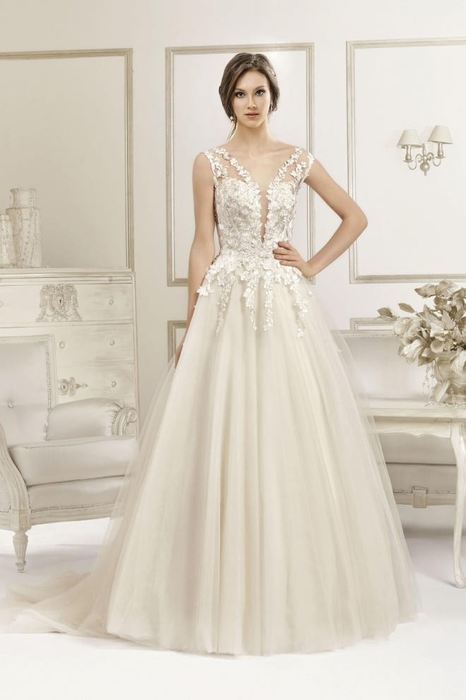 Suknia ślubna 17066T