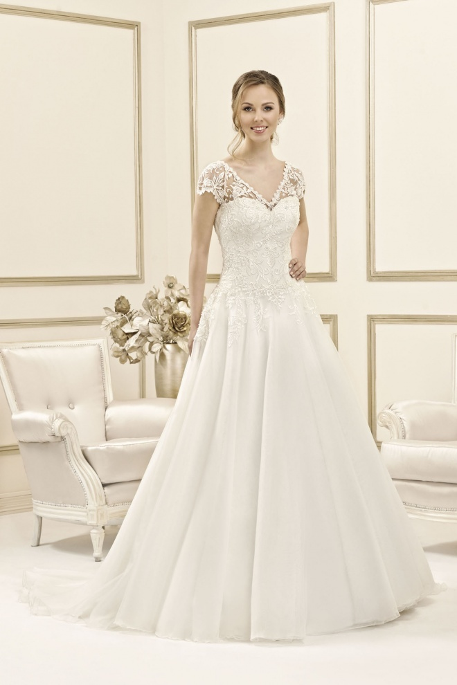 Suknia ślubna 17088T