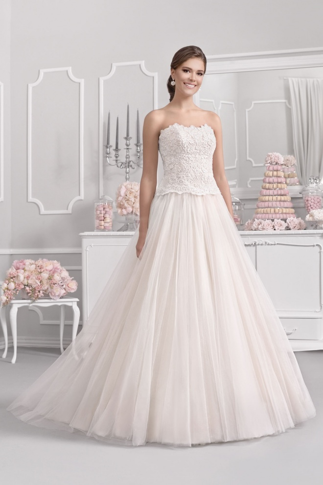 Suknia ślubna 18001T