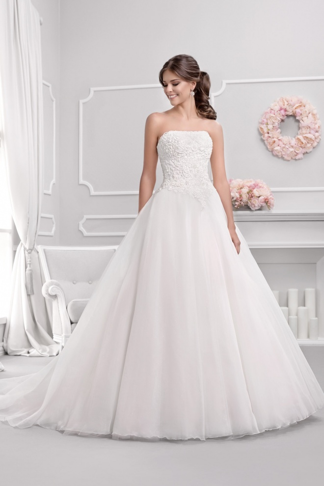 Suknia ślubna 18009T