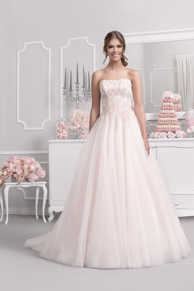 Suknia ślubna 18012T