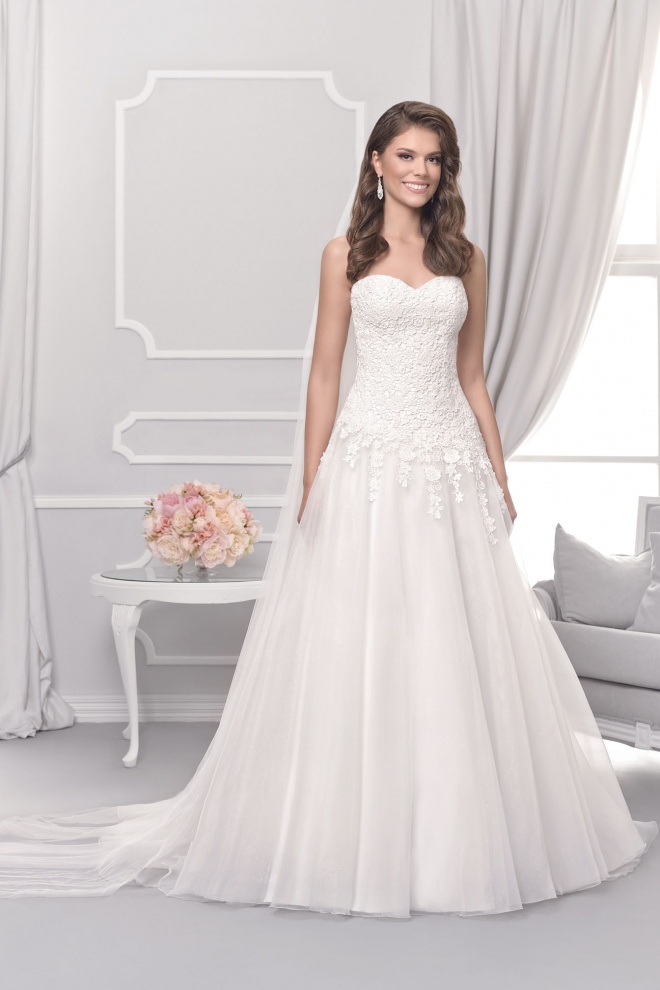 Suknia ślubna 18014T
