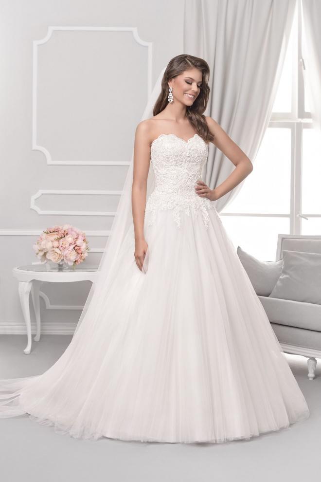 Suknia ślubna 18026T