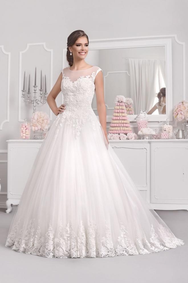Suknia ślubna 18030T