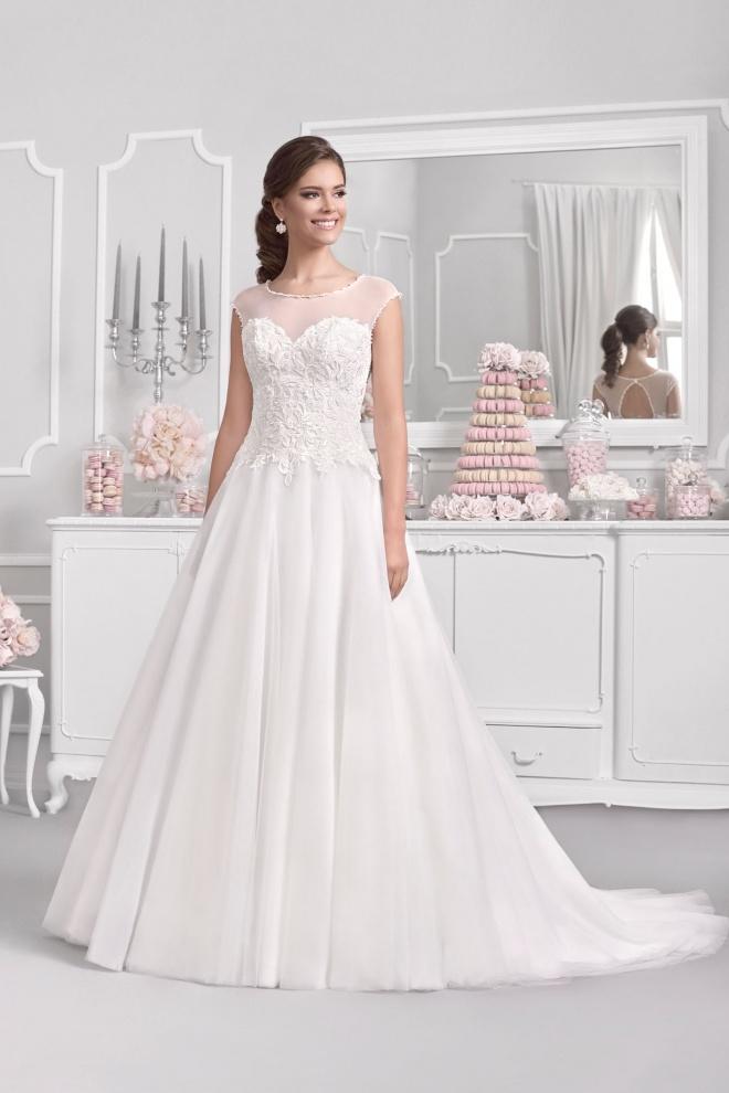 Suknia ślubna 18047T