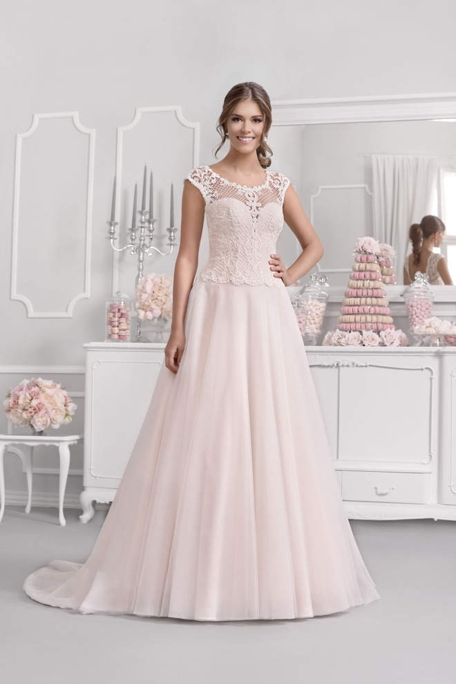 Suknia ślubna 18070T