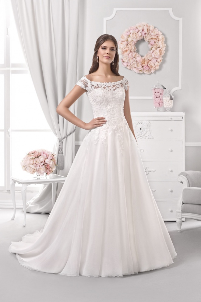 Suknia ślubna 18111T