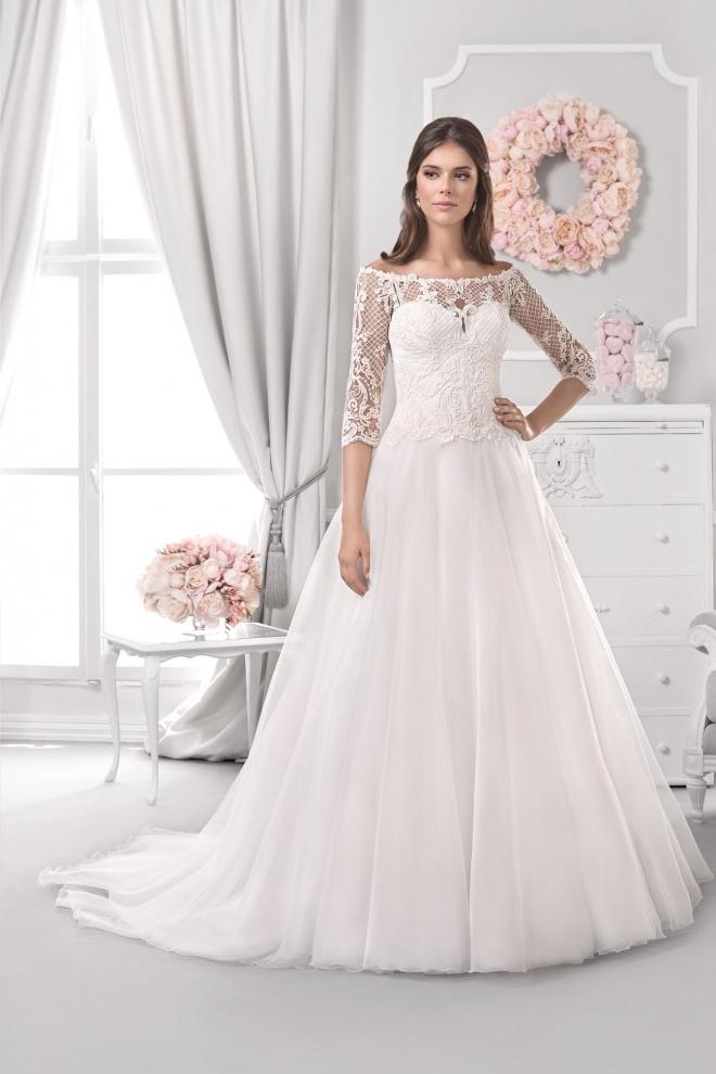 Suknia ślubna 18118T