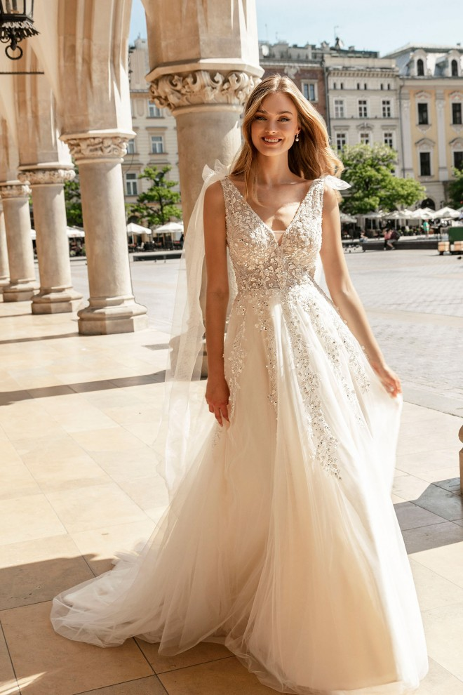 wedding dresses - Lookbook The One 2022