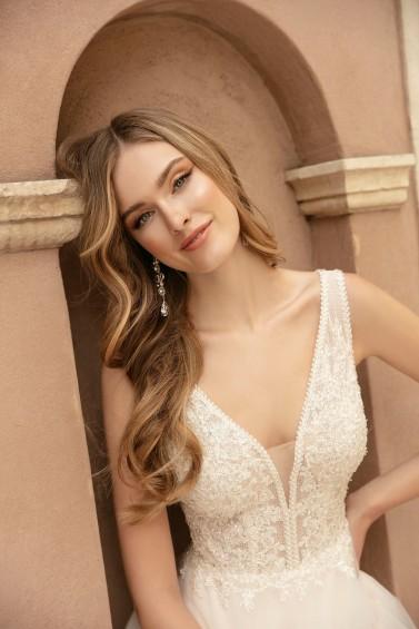 suknia ślubna TO-1310T zbliżenie