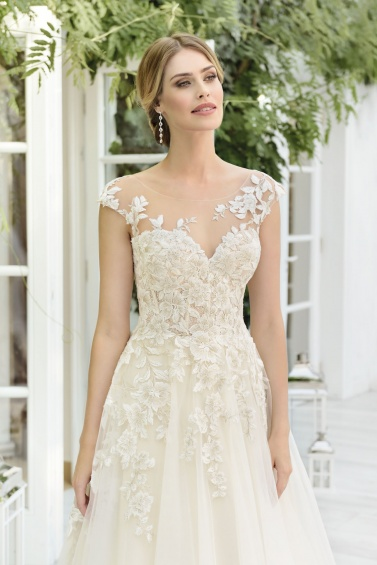 suknia ślubna TO-854T zbliżenie